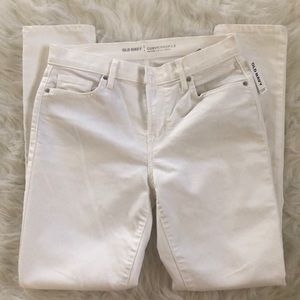 BRAND NEW OLD NAVY WHITE JEANS